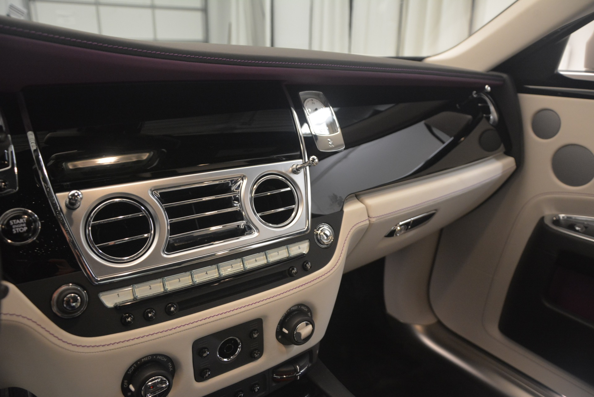 Used 2017 Rolls-Royce Ghost  For Sale In Greenwich, CT 971_p25
