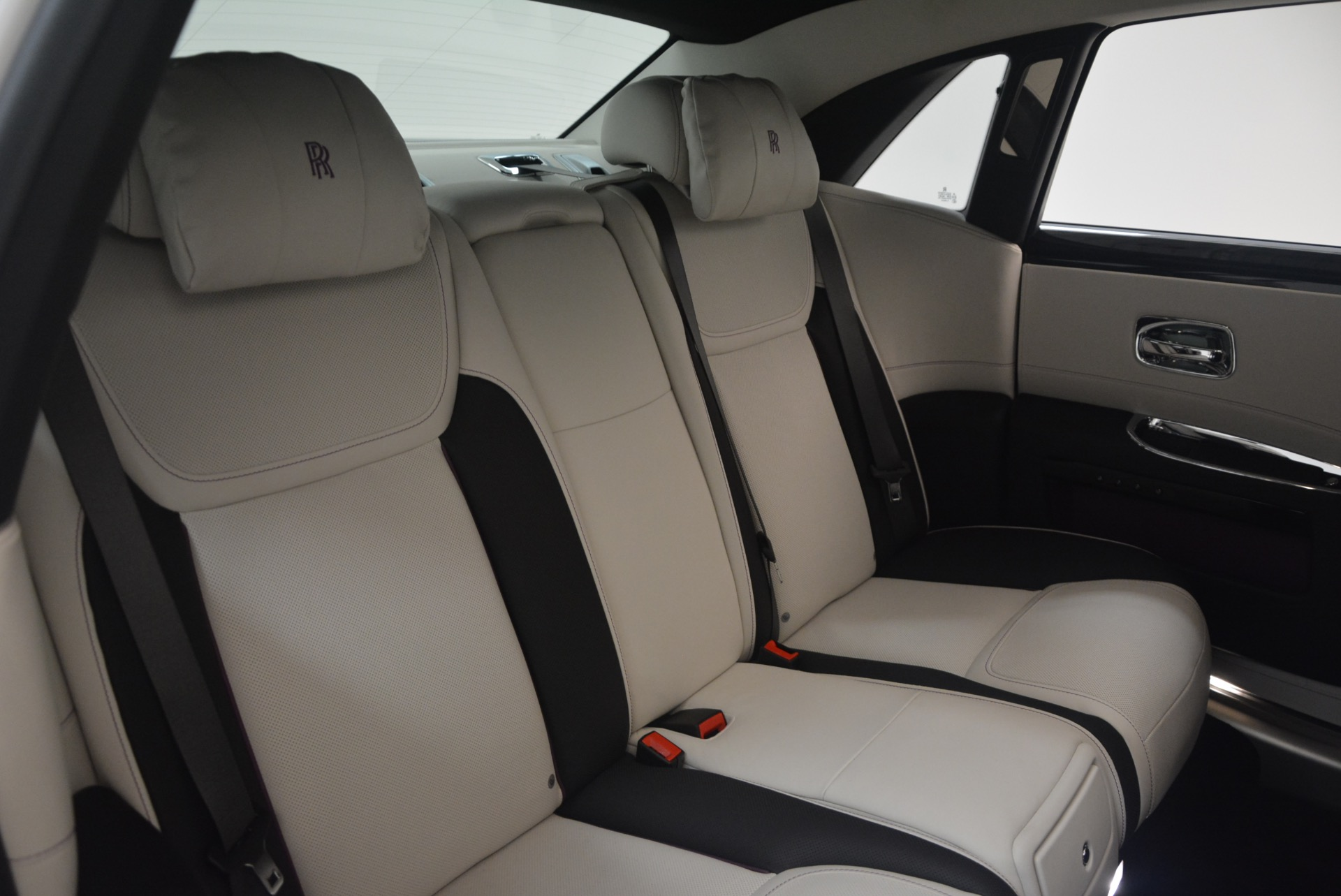 Used 2017 Rolls-Royce Ghost  For Sale In Greenwich, CT 971_p36