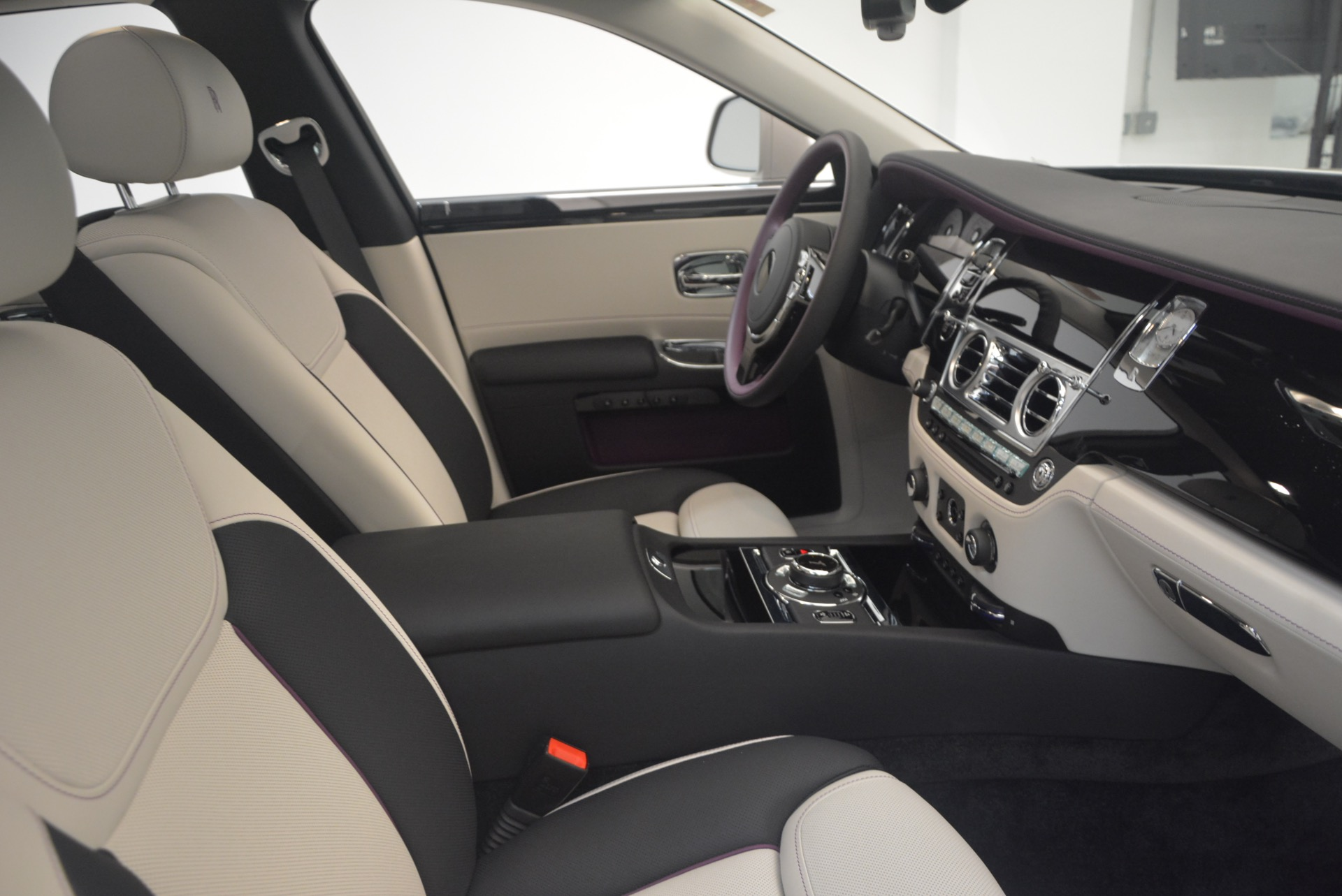 Used 2017 Rolls-Royce Ghost  For Sale In Greenwich, CT 971_p40