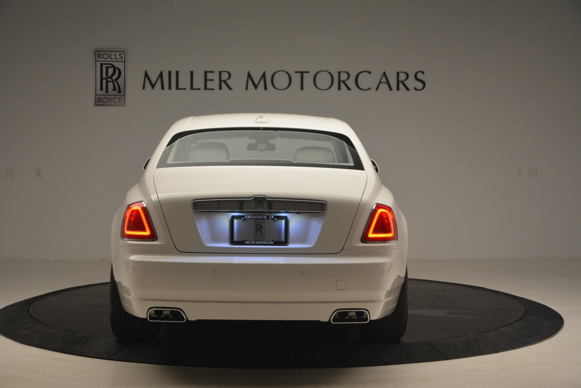 Used 2017 Rolls-Royce Ghost  For Sale In Greenwich, CT 971_p6