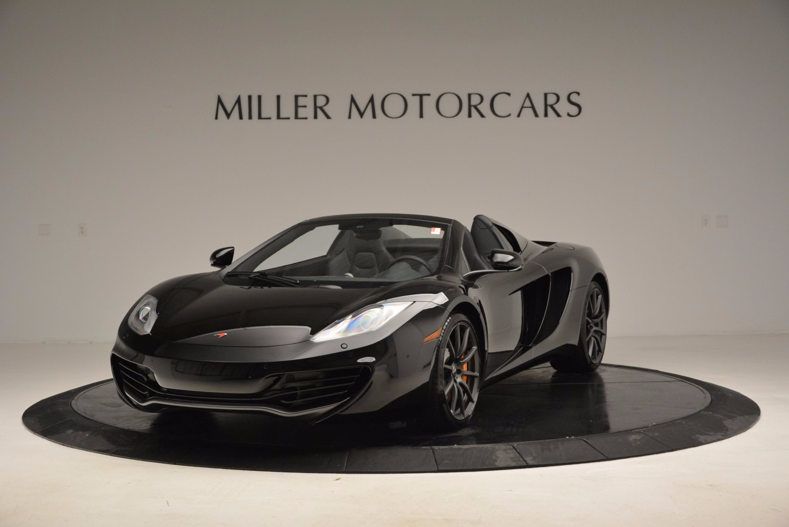 Used 2013 McLaren 12C Spider  For Sale In Greenwich, CT 973_main