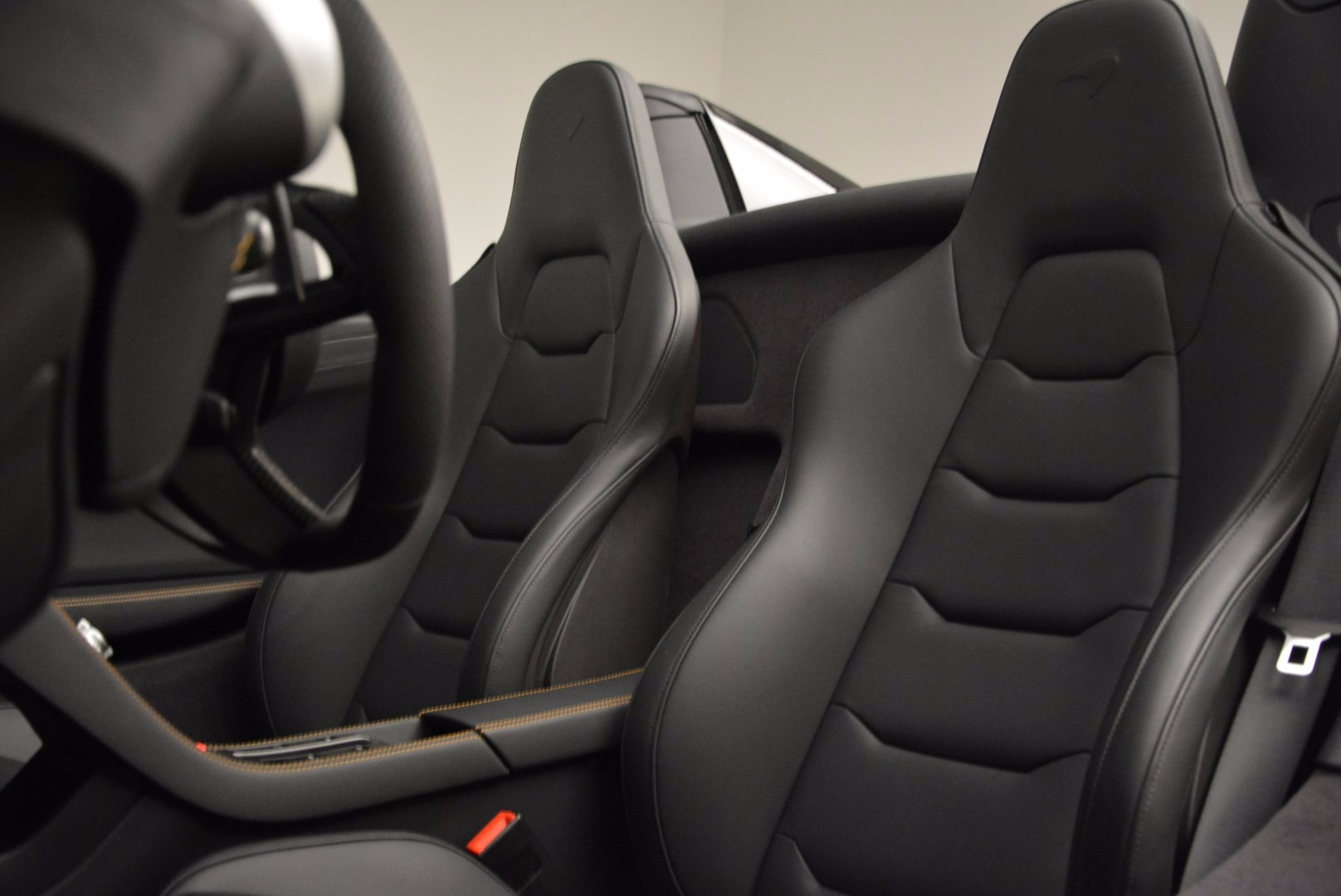 Used 2013 McLaren 12C Spider  For Sale In Greenwich, CT 973_p26