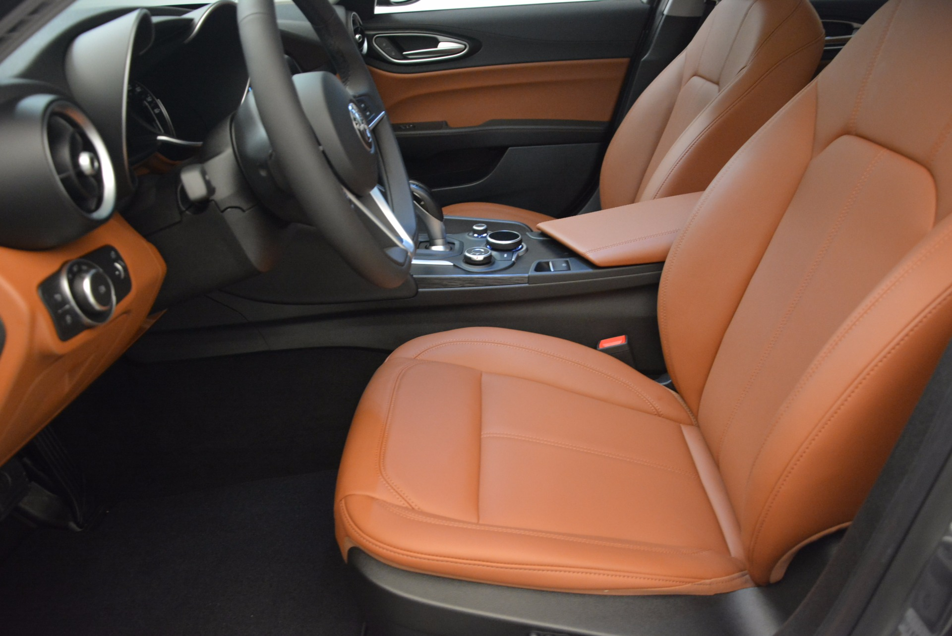 New 2017 Alfa Romeo Giulia Q4 For Sale In Greenwich, CT 984_p14
