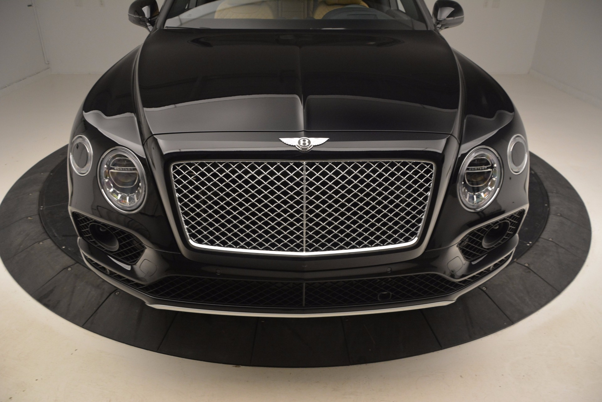 Used 2017 Bentley Bentayga  For Sale In Greenwich, CT 989_p13