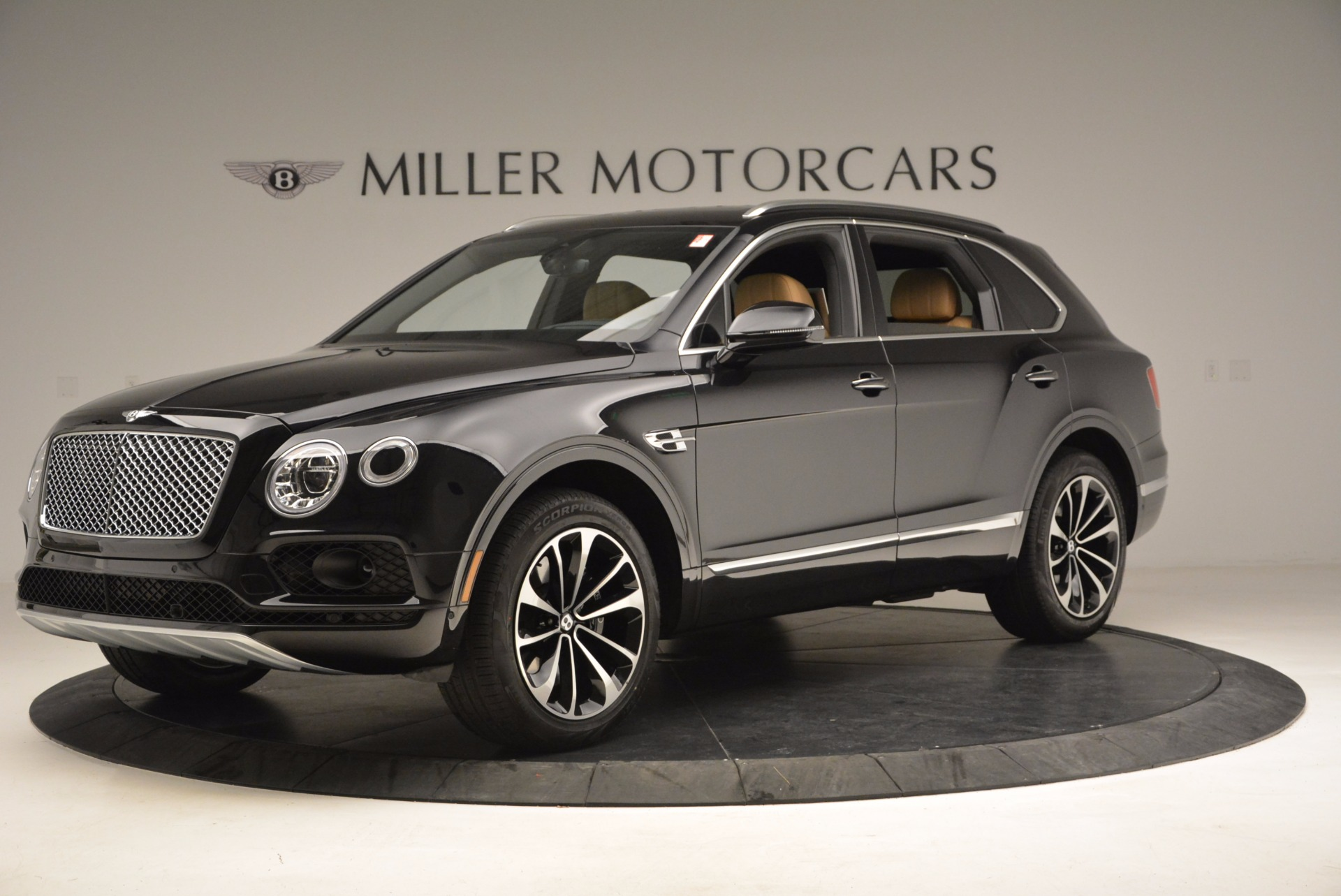 Used 2017 Bentley Bentayga  For Sale In Greenwich, CT 989_p2