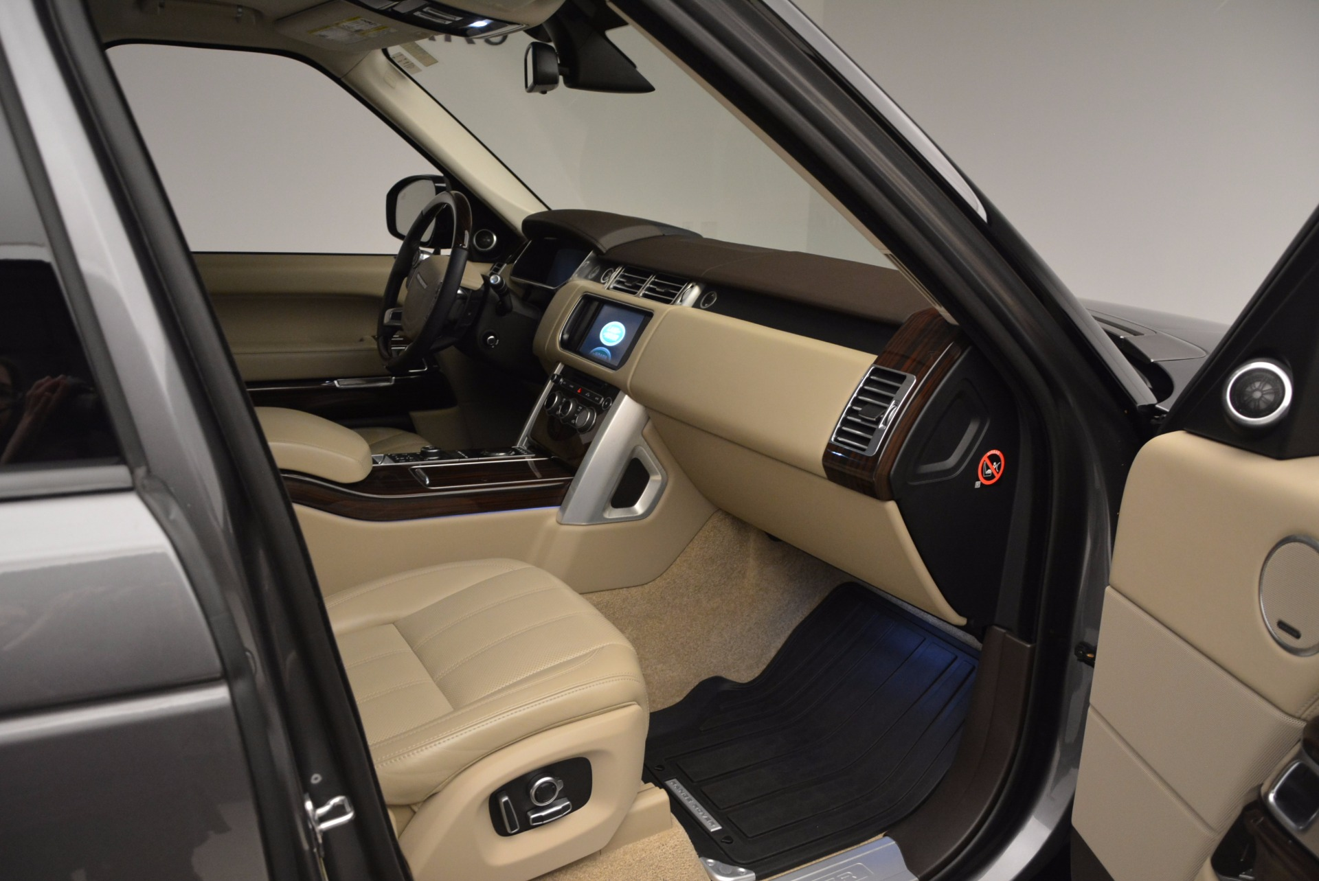Used 2016 Land Rover Range Rover HSE TD6 For Sale In Greenwich, CT 999_p30