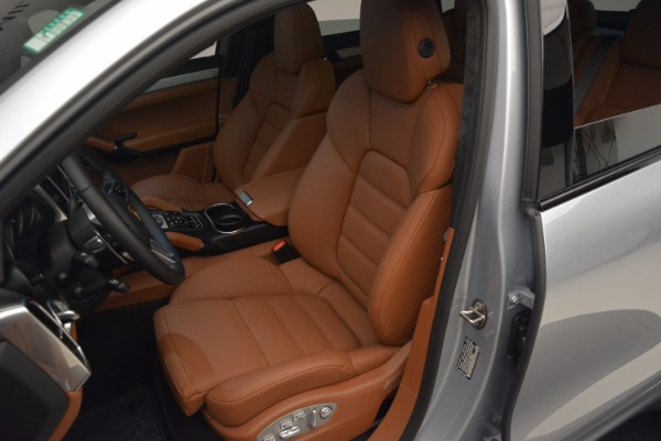 Used 2016 Porsche Cayenne Turbo for sale Sold at Maserati of Greenwich in Greenwich CT 06830 18