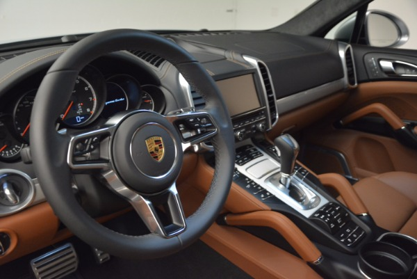 Used 2016 Porsche Cayenne Turbo for sale Sold at Maserati of Greenwich in Greenwich CT 06830 21