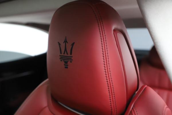 Used 2017 Maserati Ghibli S Q4 for sale $42,900 at Maserati of Greenwich in Greenwich CT 06830 17