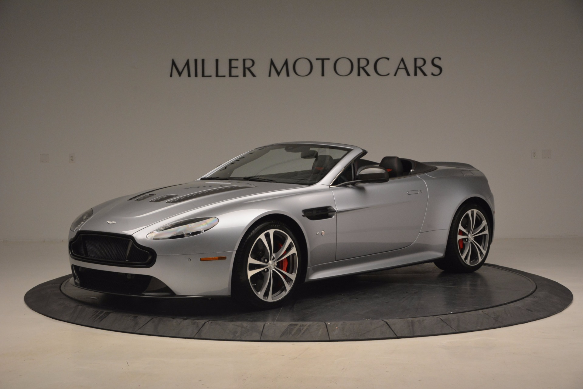 Used 2015 Aston Martin V12 Vantage S Roadster for sale Sold at Maserati of Greenwich in Greenwich CT 06830 1