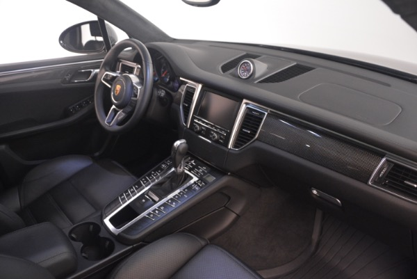 Used 2016 Porsche Macan Turbo for sale Sold at Maserati of Greenwich in Greenwich CT 06830 21
