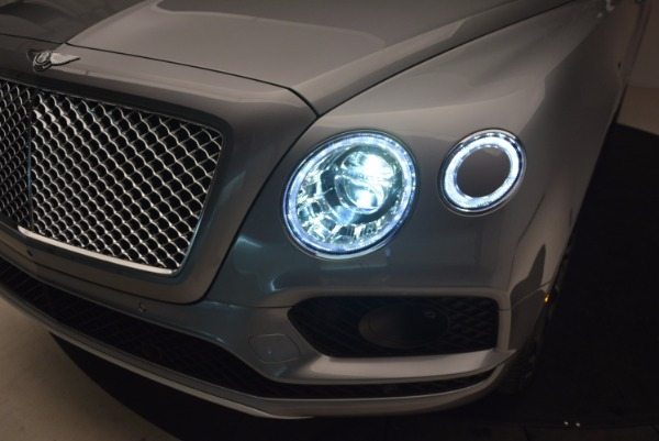 New 2018 Bentley Bentayga Onyx for sale Sold at Maserati of Greenwich in Greenwich CT 06830 17