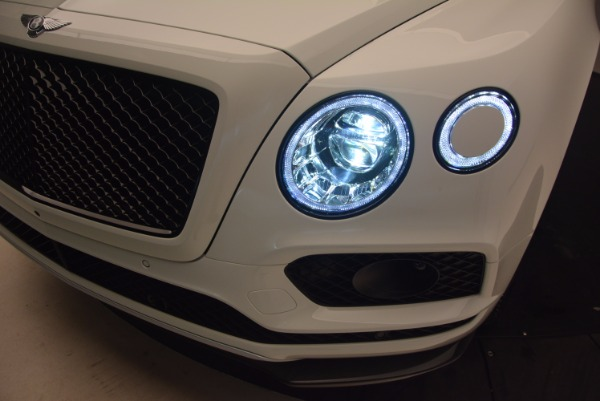 New 2018 Bentley Bentayga Black Edition for sale Sold at Maserati of Greenwich in Greenwich CT 06830 19
