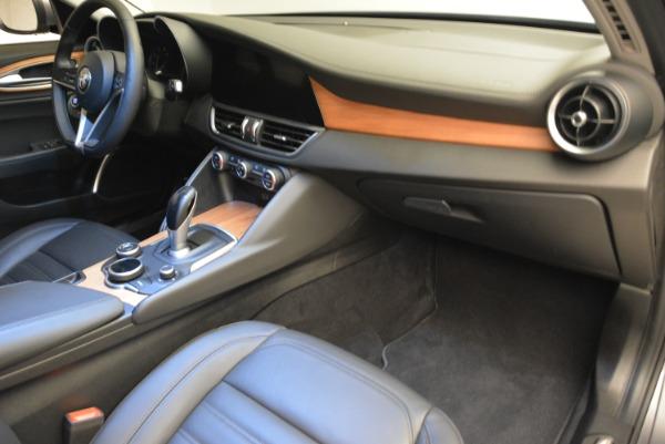 New 2017 Alfa Romeo Giulia Ti Lusso Q4 for sale Sold at Maserati of Greenwich in Greenwich CT 06830 19