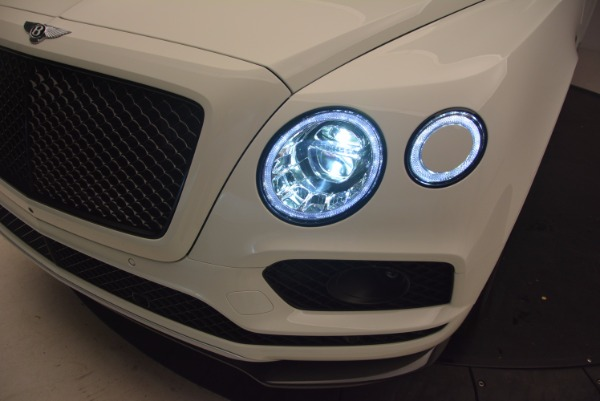 Used 2018 Bentley Bentayga Black Edition for sale Sold at Maserati of Greenwich in Greenwich CT 06830 17