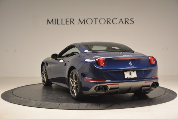 Used 2017 Ferrari California T Handling Speciale for sale $189,900 at Maserati of Greenwich in Greenwich CT 06830 17