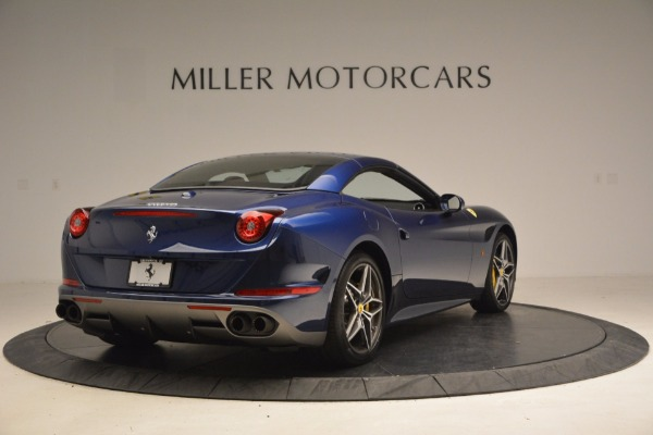 Used 2017 Ferrari California T Handling Speciale for sale $189,900 at Maserati of Greenwich in Greenwich CT 06830 19