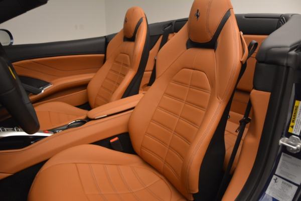 Used 2017 Ferrari California T Handling Speciale for sale $189,900 at Maserati of Greenwich in Greenwich CT 06830 27