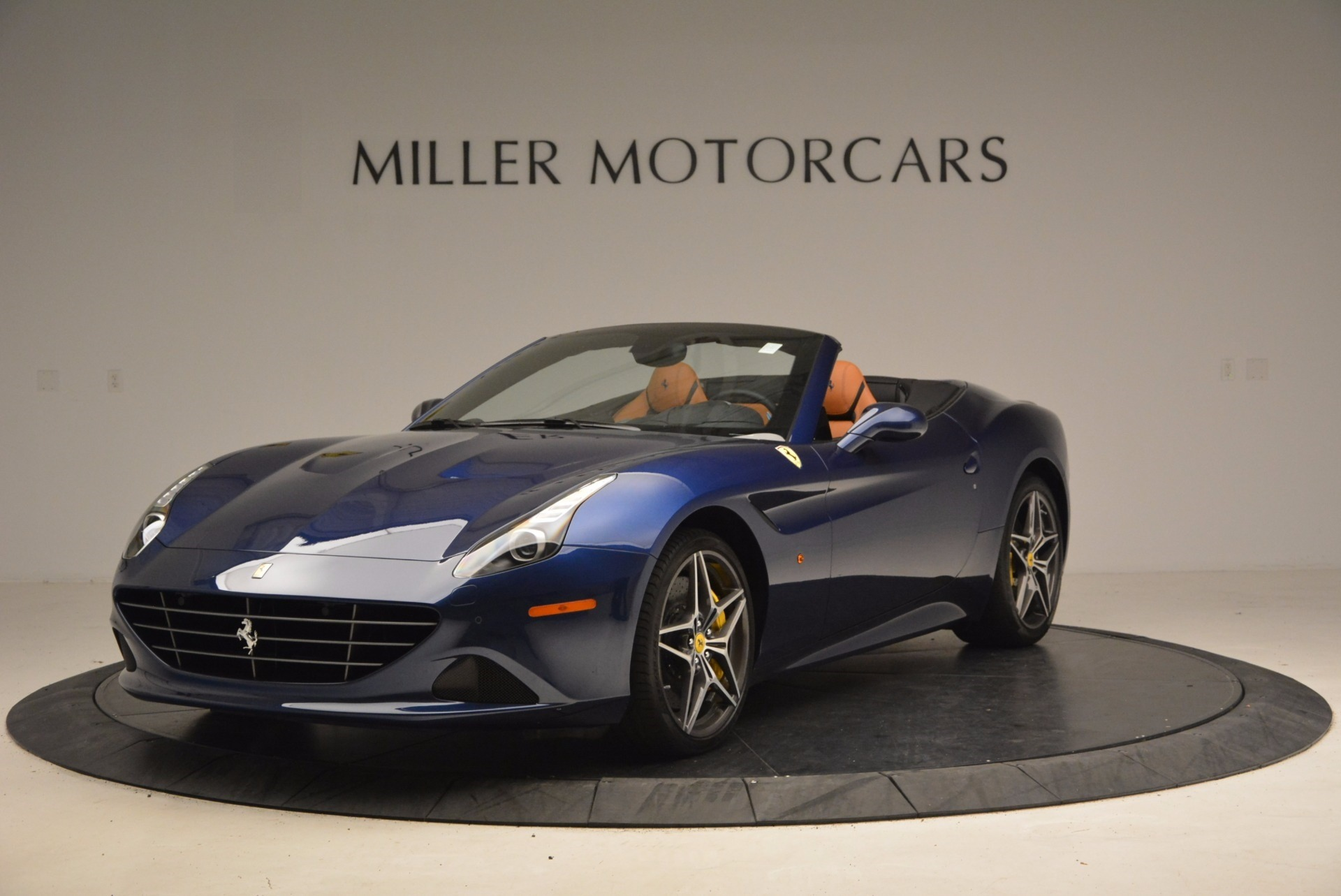 Used 2017 Ferrari California T Handling Speciale for sale $189,900 at Maserati of Greenwich in Greenwich CT 06830 1