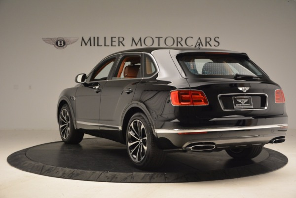 Used 2018 Bentley Bentayga Onyx Edition for sale $147,900 at Maserati of Greenwich in Greenwich CT 06830 5