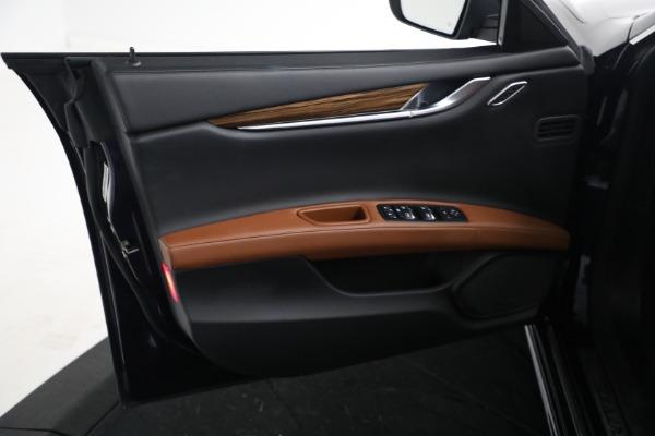 Used 2018 Maserati Ghibli S Q4 GranLusso for sale $56,900 at Maserati of Greenwich in Greenwich CT 06830 15