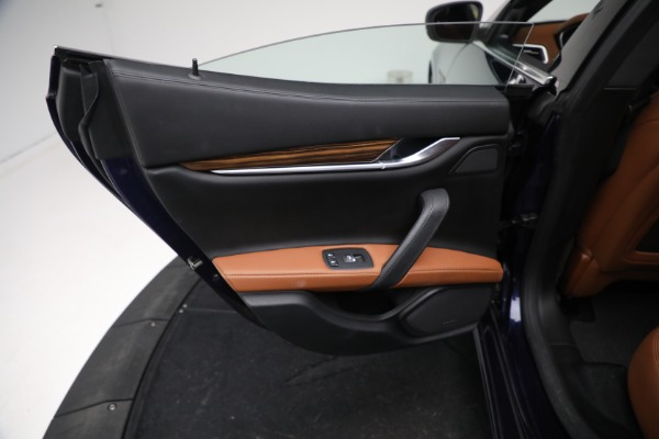 Used 2018 Maserati Ghibli S Q4 GranLusso for sale $56,900 at Maserati of Greenwich in Greenwich CT 06830 18