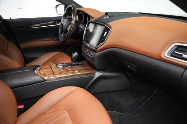 Used 2018 Maserati Ghibli S Q4 GranLusso for sale $56,900 at Maserati of Greenwich in Greenwich CT 06830 20