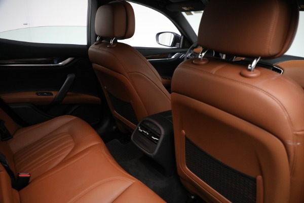 Used 2018 Maserati Ghibli S Q4 GranLusso for sale $56,900 at Maserati of Greenwich in Greenwich CT 06830 23