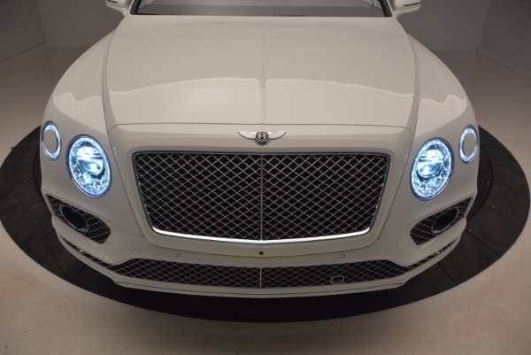 Used 2018 Bentley Bentayga Onyx for sale $159,900 at Maserati of Greenwich in Greenwich CT 06830 14