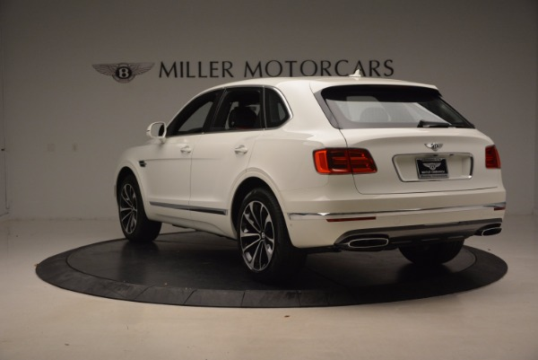 Used 2018 Bentley Bentayga Onyx for sale $159,900 at Maserati of Greenwich in Greenwich CT 06830 5