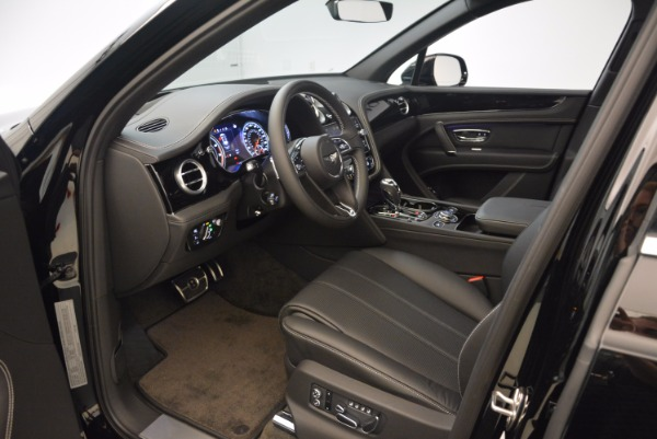 Used 2018 Bentley Bentayga Onyx Edition for sale $139,900 at Maserati of Greenwich in Greenwich CT 06830 18