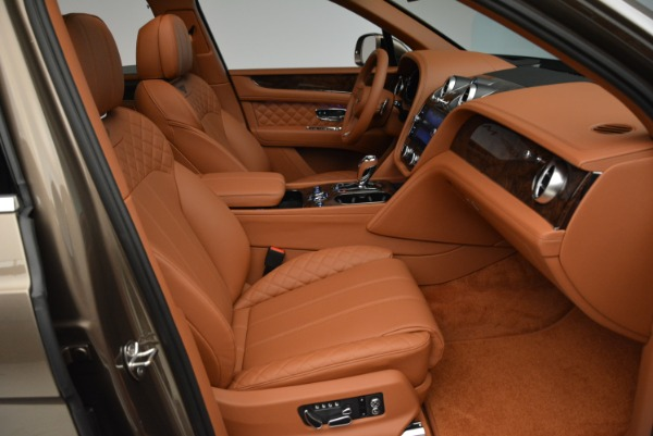 Used 2018 Bentley Bentayga W12 Signature for sale $156,900 at Maserati of Greenwich in Greenwich CT 06830 28