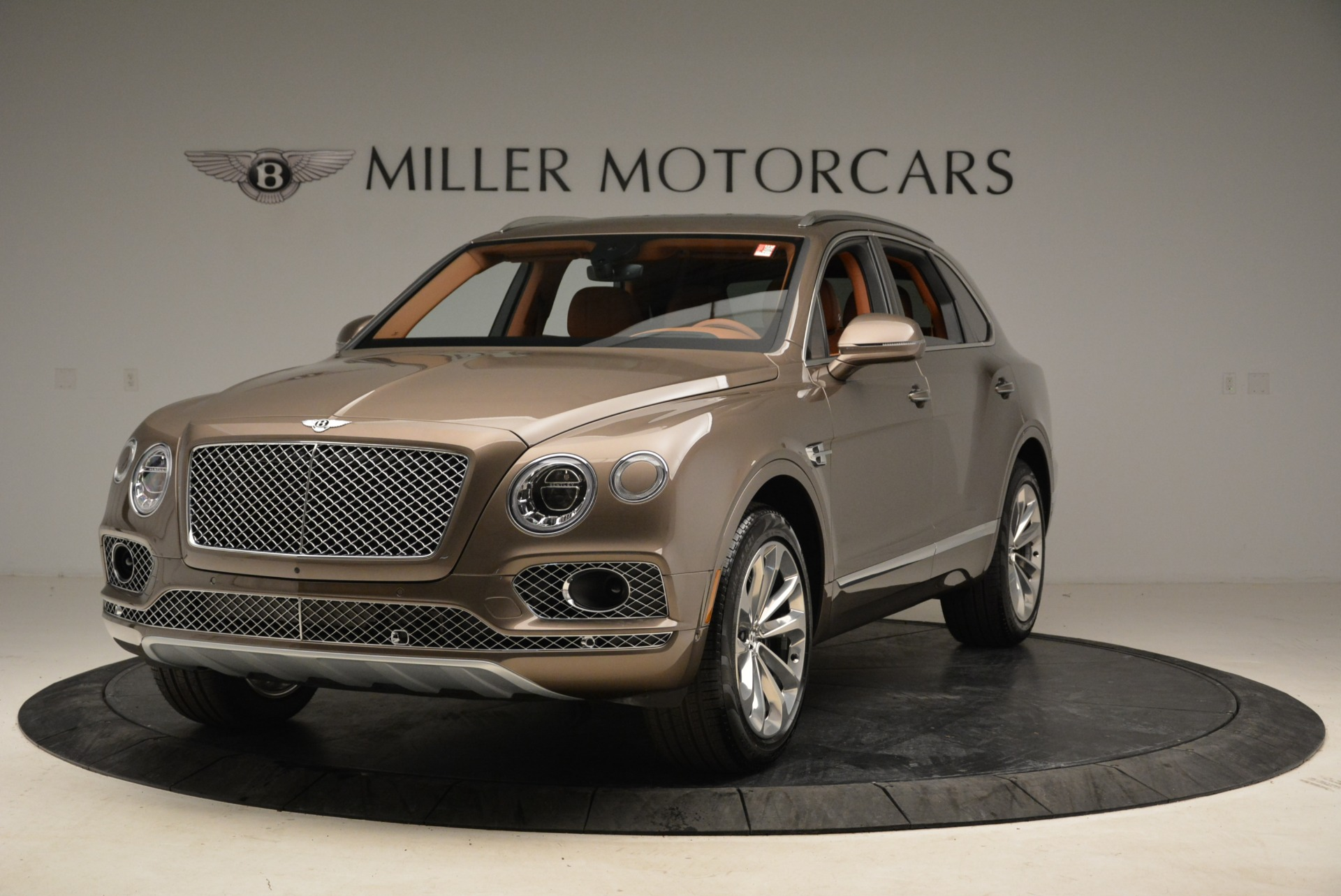 Used 2018 Bentley Bentayga W12 Signature for sale $156,900 at Maserati of Greenwich in Greenwich CT 06830 1