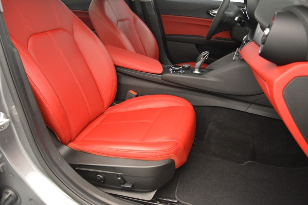 Used 2018 Alfa Romeo Giulia Q4 for sale Sold at Maserati of Greenwich in Greenwich CT 06830 24