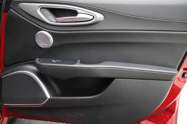 Used 2018 Alfa Romeo Giulia Ti Sport Q4 for sale Sold at Maserati of Greenwich in Greenwich CT 06830 25