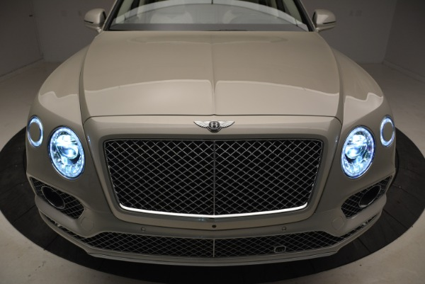 New 2018 Bentley Bentayga Signature for sale Sold at Maserati of Greenwich in Greenwich CT 06830 14