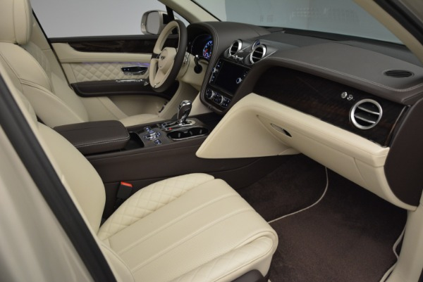 New 2018 Bentley Bentayga Signature for sale Sold at Maserati of Greenwich in Greenwich CT 06830 26