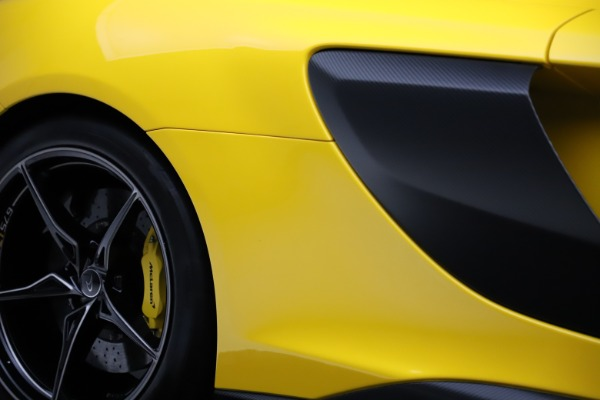 Used 2016 McLaren 675LT for sale $225,900 at Maserati of Greenwich in Greenwich CT 06830 27