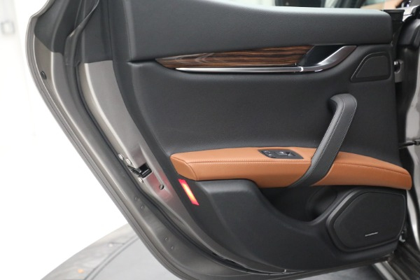 Used 2018 Maserati Ghibli S Q4 for sale $54,900 at Maserati of Greenwich in Greenwich CT 06830 24