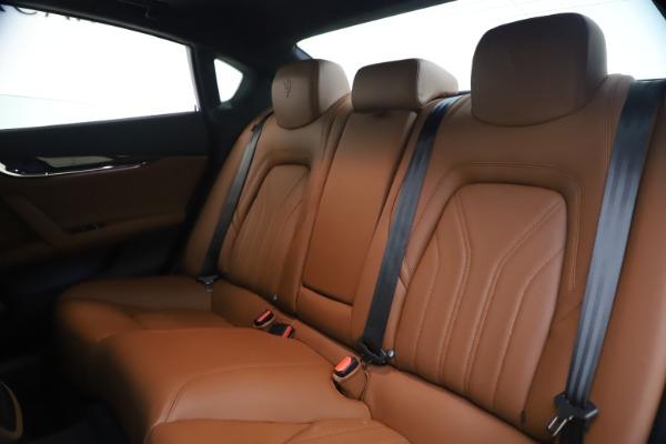 Used 2018 Maserati Quattroporte S Q4 GranLusso for sale $69,900 at Maserati of Greenwich in Greenwich CT 06830 18