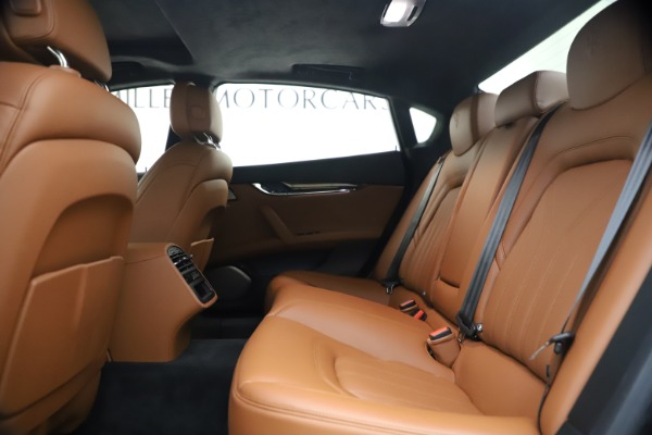 Used 2018 Maserati Quattroporte S Q4 GranLusso for sale $69,900 at Maserati of Greenwich in Greenwich CT 06830 19