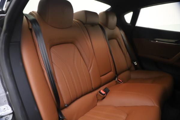 Used 2018 Maserati Quattroporte S Q4 GranLusso for sale $69,900 at Maserati of Greenwich in Greenwich CT 06830 24