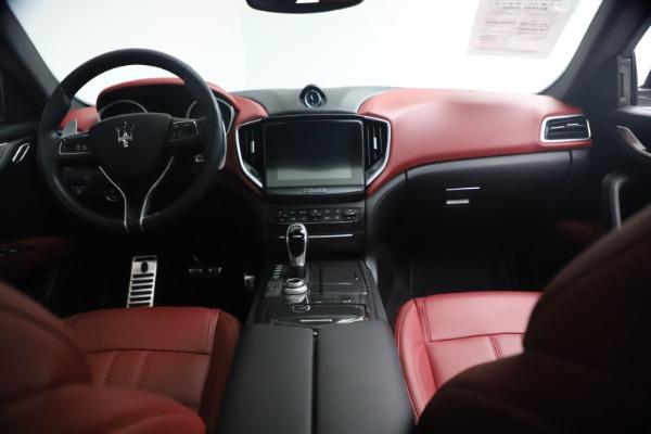 Used 2018 Maserati Ghibli S Q4 GranSport for sale $55,900 at Maserati of Greenwich in Greenwich CT 06830 16