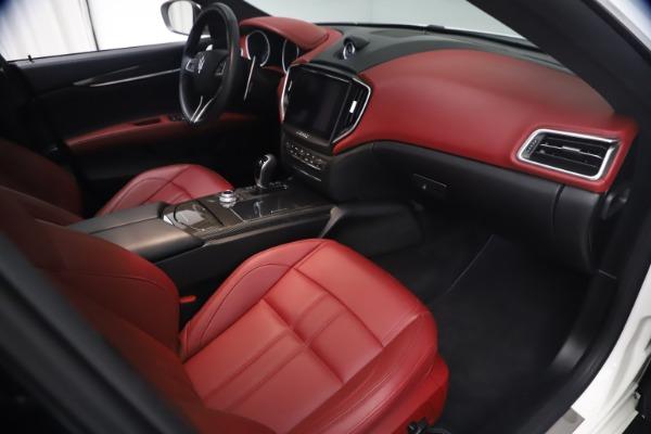 Used 2018 Maserati Ghibli S Q4 GranSport for sale $55,900 at Maserati of Greenwich in Greenwich CT 06830 22