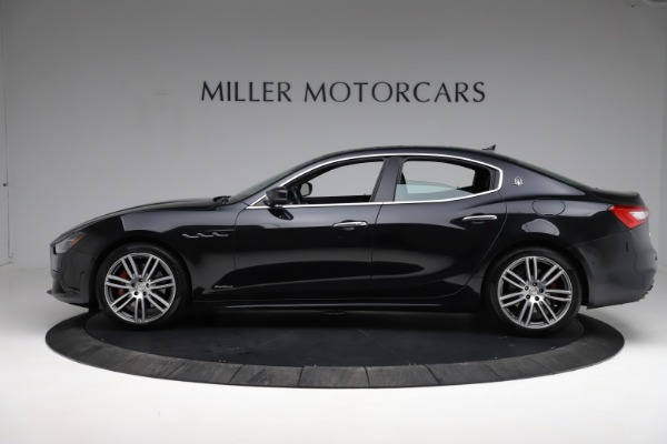 Used 2018 Maserati Ghibli S Q4 Gransport for sale $55,900 at Maserati of Greenwich in Greenwich CT 06830 3