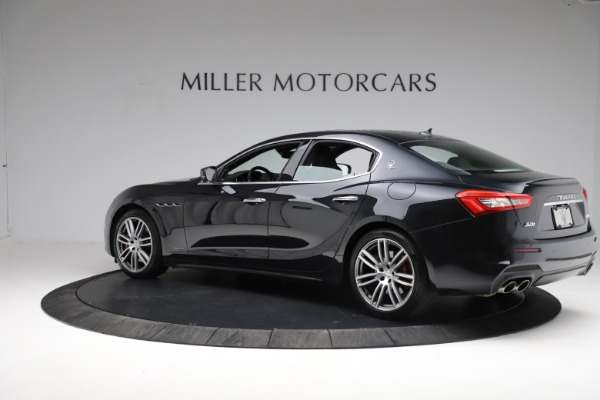 Used 2018 Maserati Ghibli S Q4 Gransport for sale $55,900 at Maserati of Greenwich in Greenwich CT 06830 4