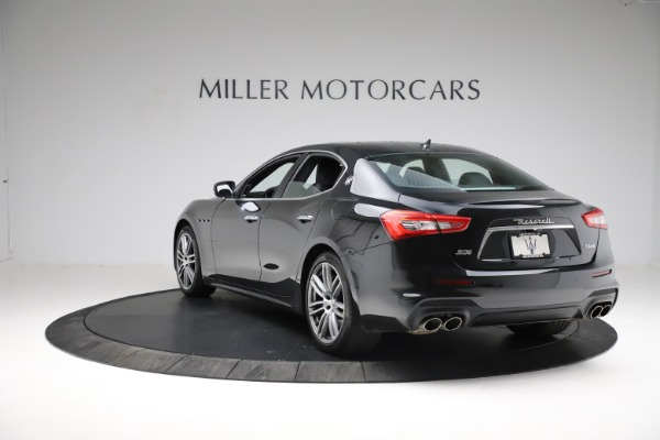 Used 2018 Maserati Ghibli S Q4 Gransport for sale $55,900 at Maserati of Greenwich in Greenwich CT 06830 5