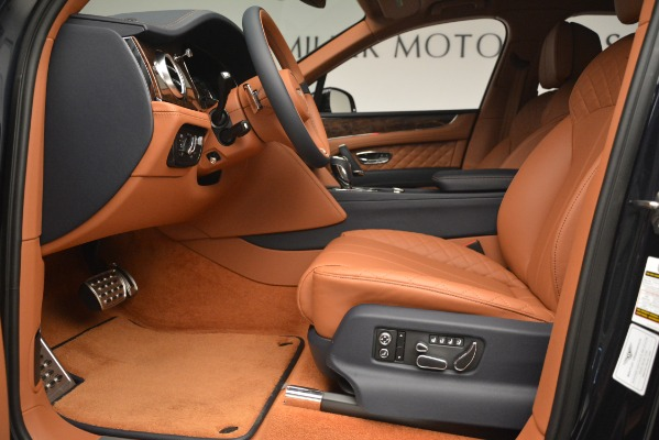 Used 2018 Bentley Bentayga Signature for sale Sold at Maserati of Greenwich in Greenwich CT 06830 18