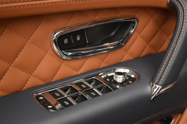 Used 2018 Bentley Bentayga Signature for sale Sold at Maserati of Greenwich in Greenwich CT 06830 19