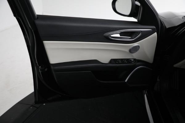 Used 2018 Alfa Romeo Giulia Ti Sport Q4 for sale $34,900 at Maserati of Greenwich in Greenwich CT 06830 15